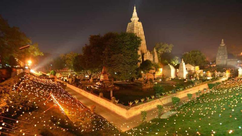 Újra újranyitott a Mahábódhi templom
